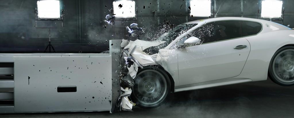 Fahrzeugsicherheit von Hybrid- und Elektrofahrzeugen